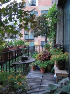 Popular Small Apartment Balcony Decor Ideas For You33