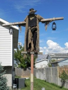 Stylish Outdoor Halloween Decorations Ideas That Everyone Will Be Admired Of31