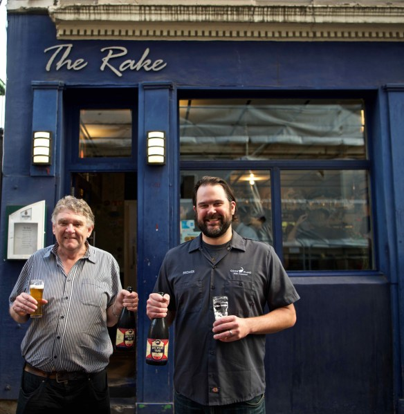 Ron Pattinson and Mike Siegel outside the Rake in Borough for the UK launch of Brewery Yard Stock Pale Ale